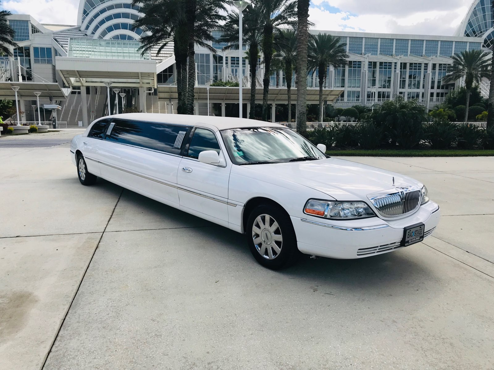 Stretch White Limo Orlando Convention Center